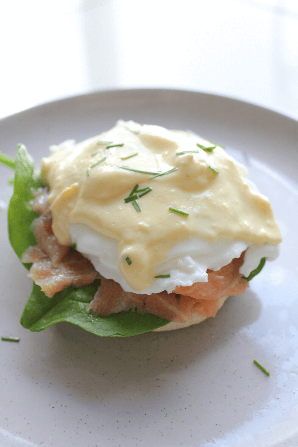 I love nothing more than an English muffin topped with a poached egg and drizzle with hollandaise sauce for breakfast.  Unfortunately hollandaise sauce really isn't the healthiest of sauces thanks to all that butter, but thankfully this healthier hollandaise sauce is the perfect alternative.