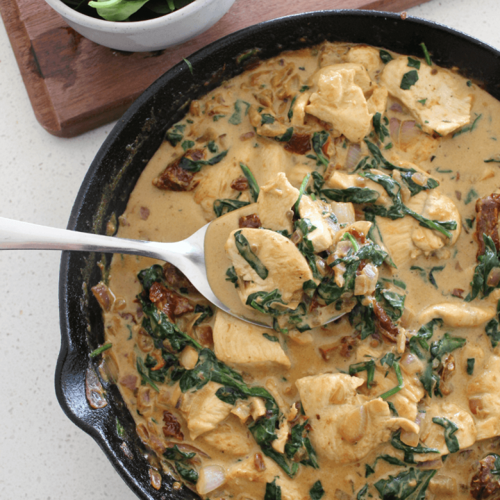This creamy Tuscan chicken is a flavoured filled quick and easy dinner that the whole family is sure to love. Serve it over cooked pasta with a side salad and you have the perfect weeknight dinner.