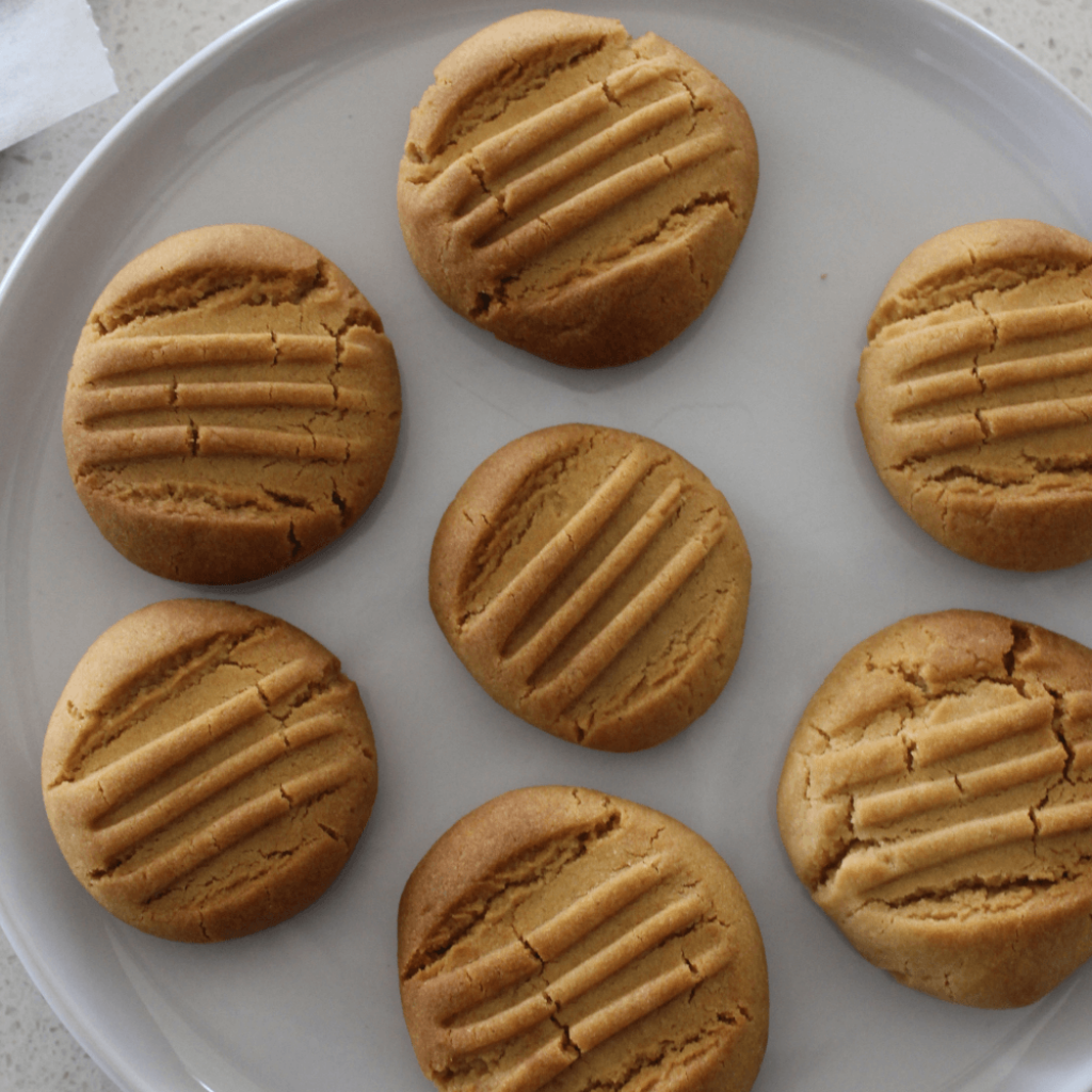 These golden syrup biscuits, or hockey pokey biscuits if you grew up with the Edmonds cookbook, taste absolutely amazing for something so simple.  The golden syrup gives the biscuits a great honeycomb like flavour.